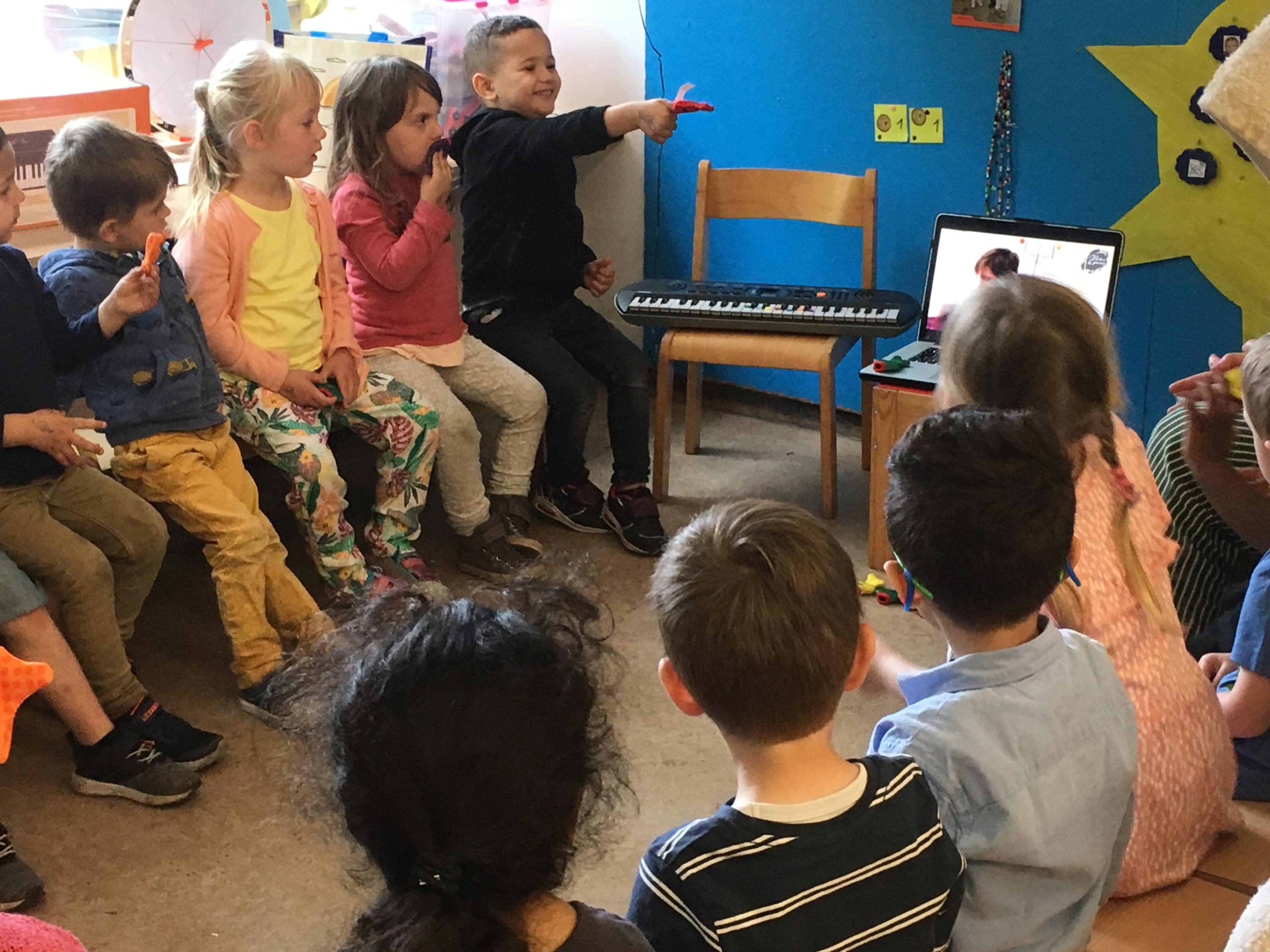 https://www.childrenarecomposers.com/school